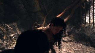 Snow White And The Huntsman: Into The Sewer (Featurette)