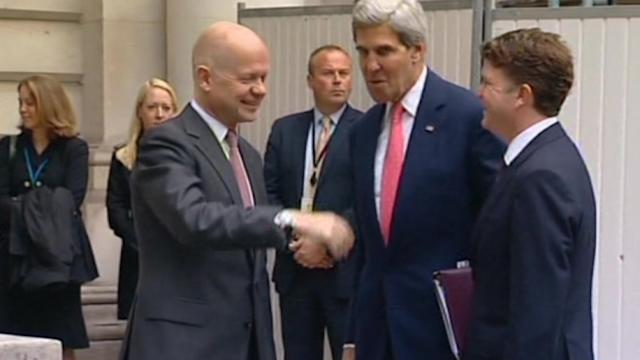 Kerry arrives in UK for talks with Hague