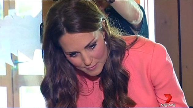 Kate visits sick kids on anniversary