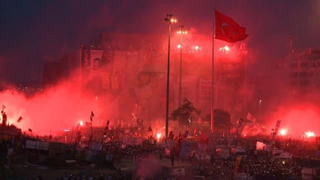 Flames, tear gas in streets as rioters defy Turkey PM