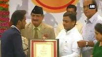 Akhilesh Yadav felicitates UP sportspersons at Rani Laxmibai and Laxman Award Function