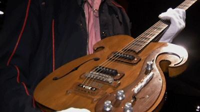 Beatles Guitar May Fetch $300,000 at Auction