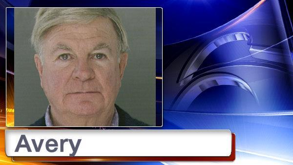 Jailed priest recants plea in Philly abuse trial