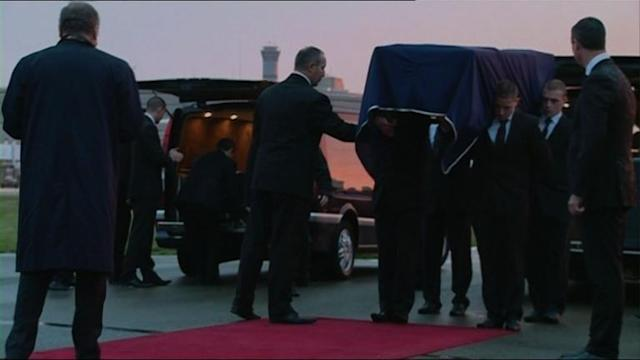 Bodies of French journalists killed in Mali arrive in Paris