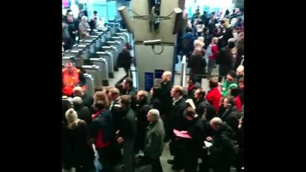 Masses Crowd in London's Waterloo Station as Tube Strike Causes Chaos