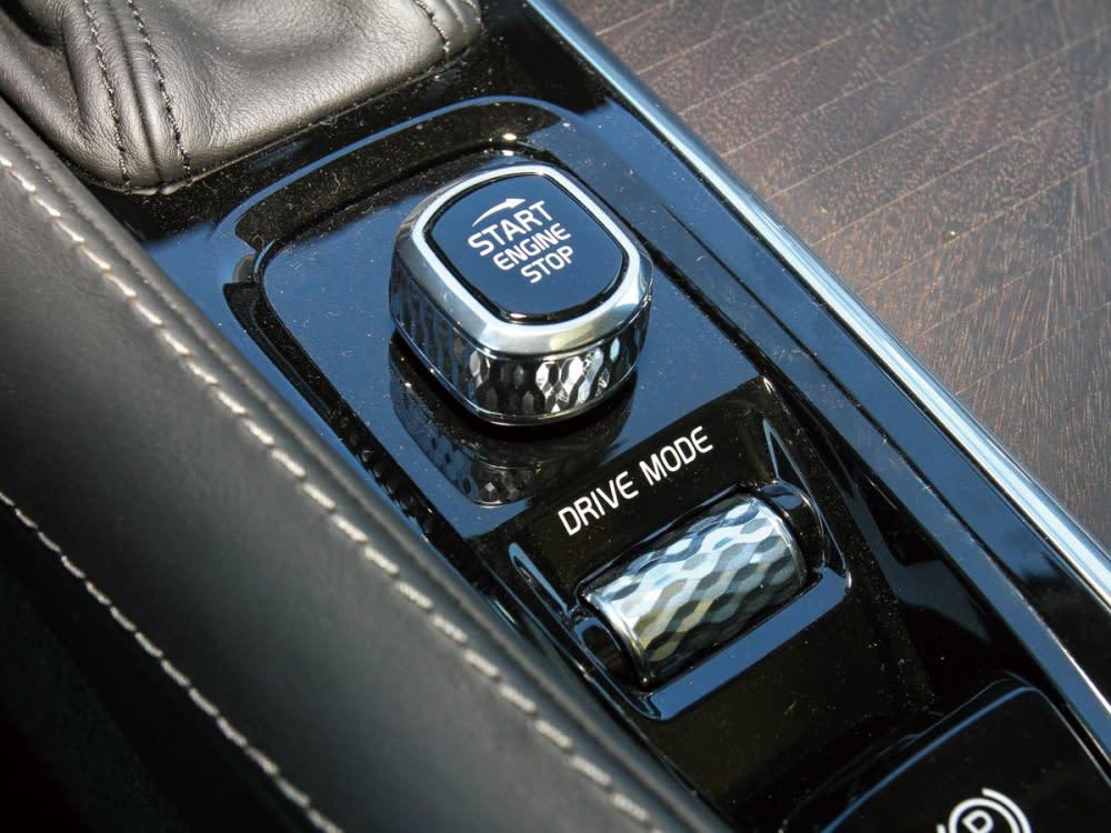 於V90 Cross Country 的DRIVE MOD中,還另外提供了一個Off Road模式。