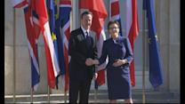 Cameron meets Polish PM on EU tour