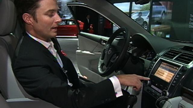 High-tech innovations sweep L.A. Auto Show
