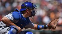 Cubs star saves the day for kid with broken glove