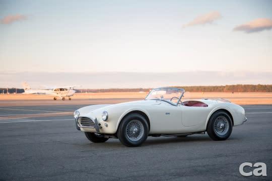 代表著美國精神的Shelby Cobra在經歷了兩年前的熱潮之後,目前似乎來到的盤整期,這輛1963年份的老289這次同樣沒能等到新主人帶他回家。