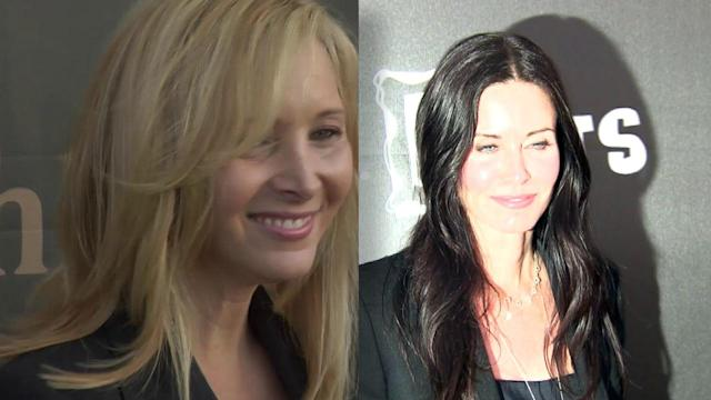 A Youthful Looking Courteney Cox Meets Up With Friend Lisa Kudrow