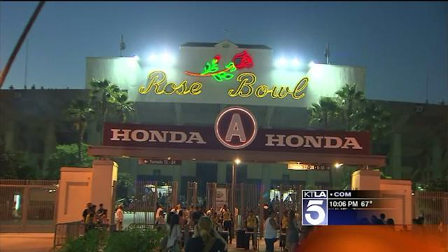 Rose Bowl Fireworks Attract Thousands to Pasadena