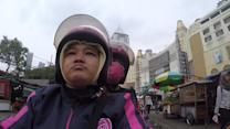 In Indonesia, Hailing a Motorcycle Taxi With a Smartphone App