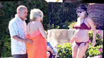 Pregnant Ashlee Simpson Spotted in Mexico