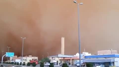 Sandstorm Turns Day Into Night