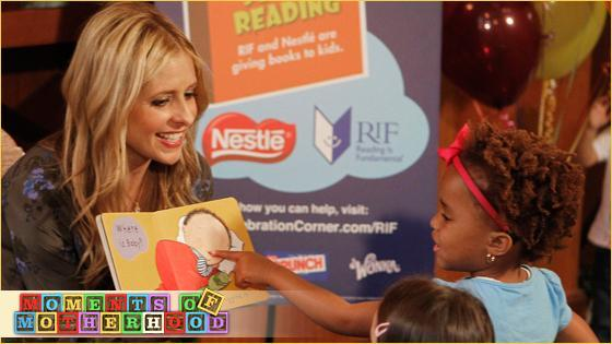 This Week in MoM: Sarah Michelle Gellar on reading with kids.