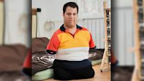 Man Born Without Limbs Becomes Talented Artist