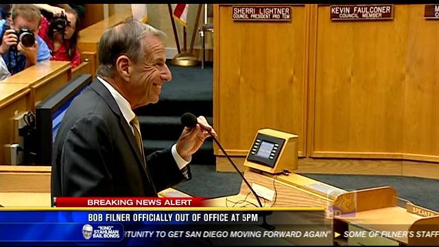 Bob Filner officially out of office at 5PM