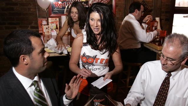 Hooters Mother's Day Special Targets Mom, Family