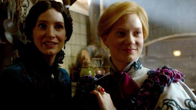 'Crimson Peak' Clip: A Proper Welcome