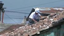 Residents clear up after Guatemala quake