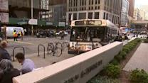 Several injured in Chicago bus crash