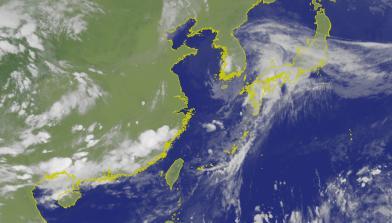 颱風丹娜絲「水炸彈」襲日韓