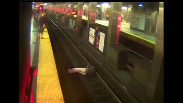 Video purports to show man falling onto subway tracks