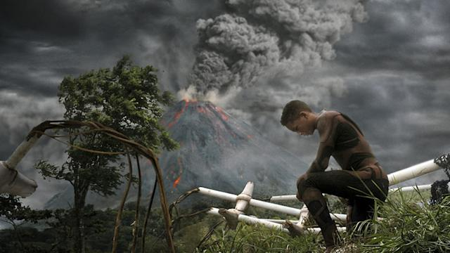 Trailer: After Earth, starring Will & Jayden Smith