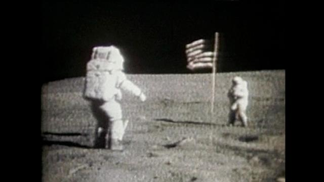 Morre Neil Armstrong