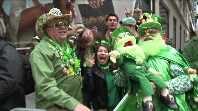 NYC St. Patrick`s Day Parade Attracts 1M Despite LGBT Controversy