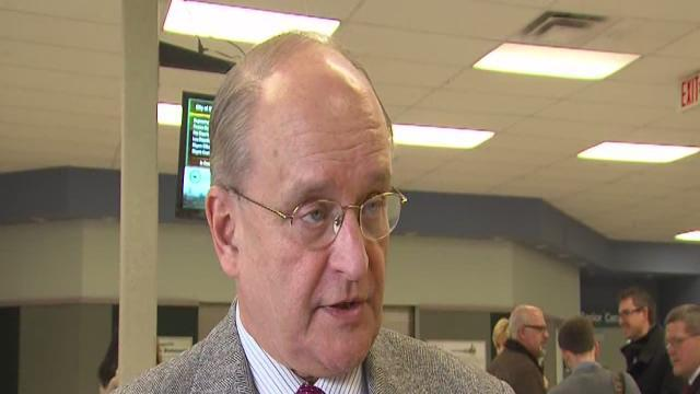 Strongsville mayor calls for end of teachers' strike at state of city, invites both parties to meet