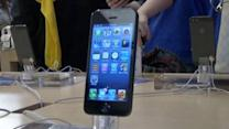 Hundreds turn out to purchase new iPhone in NY