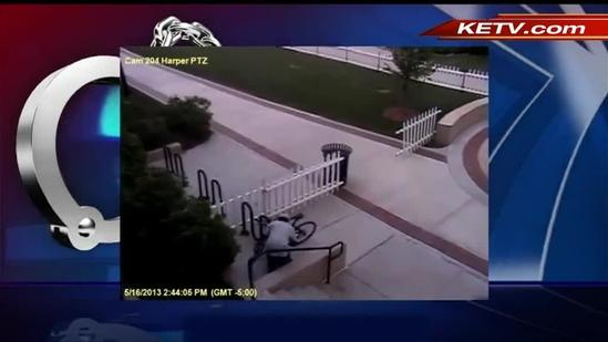 Video shows bicycle thief