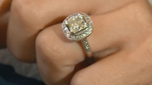 Man Mistakenly Sells Wife's $23K Ring at Tag Sale