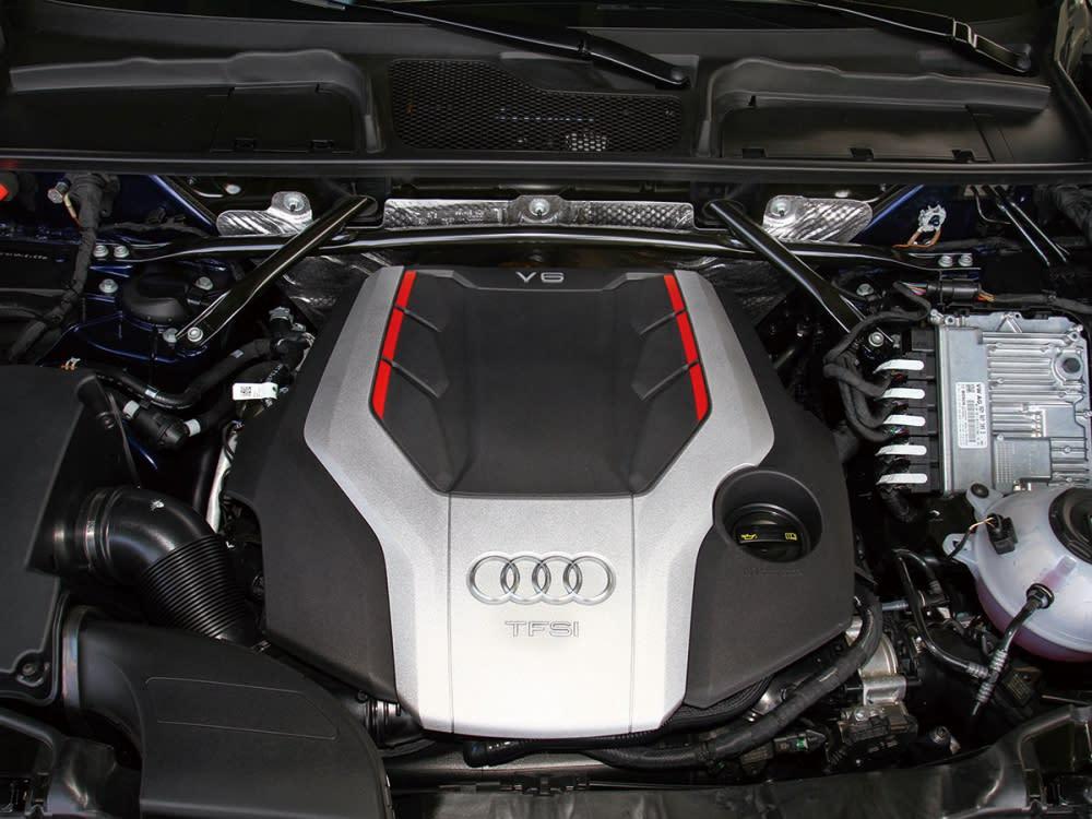 動力搭載3.0升V6渦輪增壓引擎,最大馬力354hp、最大扭力51.0kgm。
