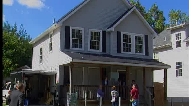 North Carolina volunteers save Cleveland home