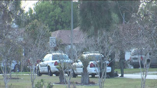 Man barricaded in Spring Hill home