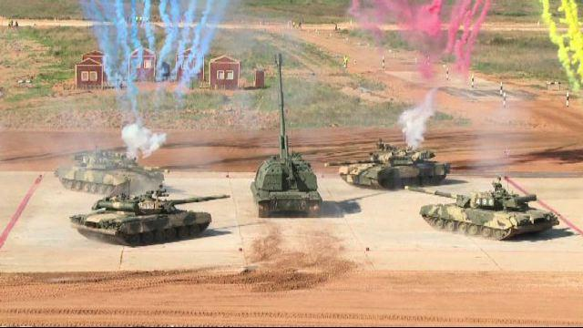 In Russia al via il biathlon dei tank e Mosca invita Washington