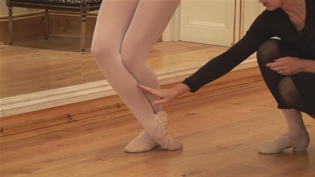 How To Do A Ballet Foot Stretch