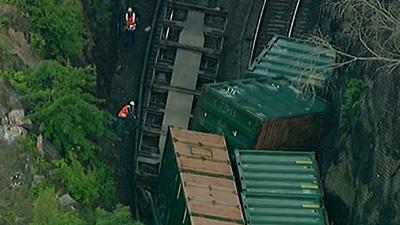Raw: Derailed Train in NYC Disrupts A.M. Commute
