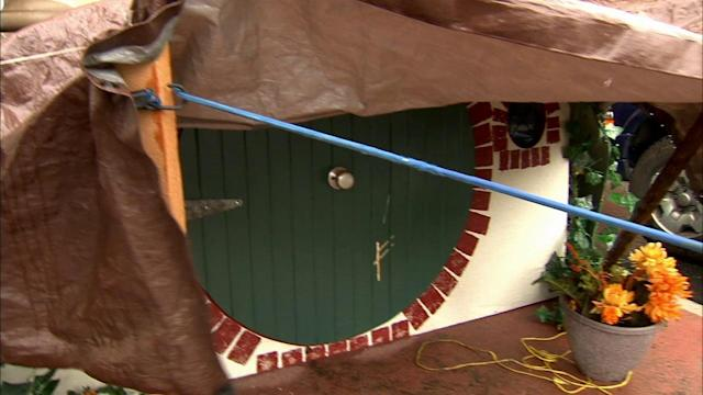 Fans create replica of 'Hobbit' house