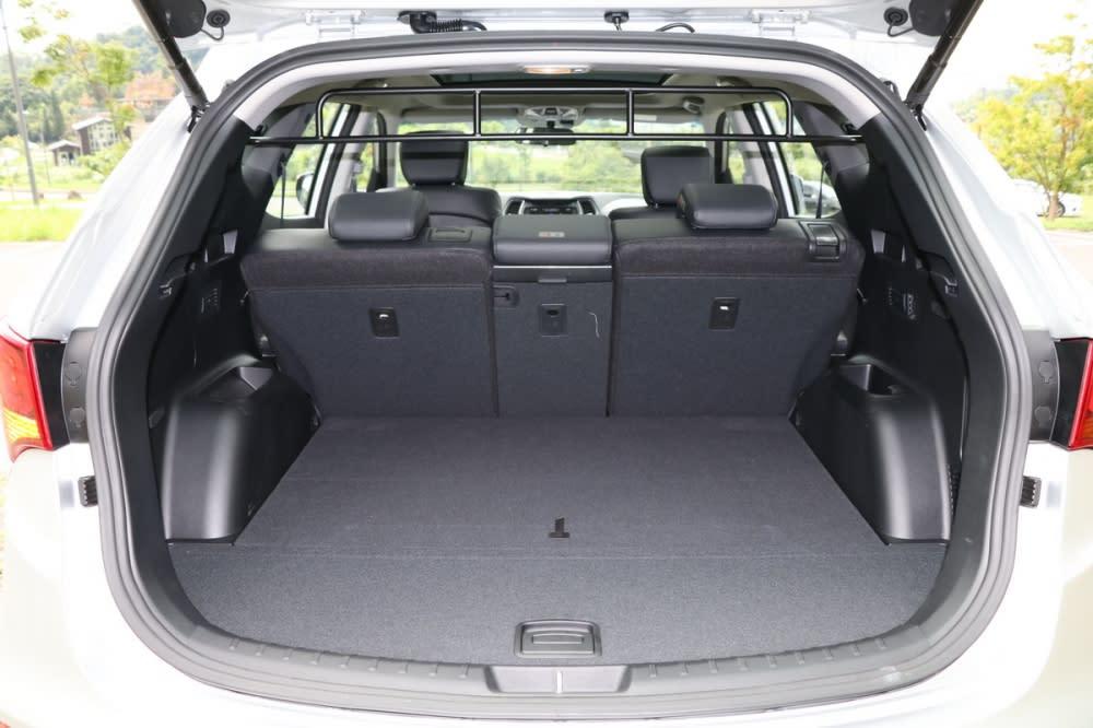 鐵漢柔情唯有親身體驗,Hyundai Santa Fe 2.2L 柴油領袖款試駕報導