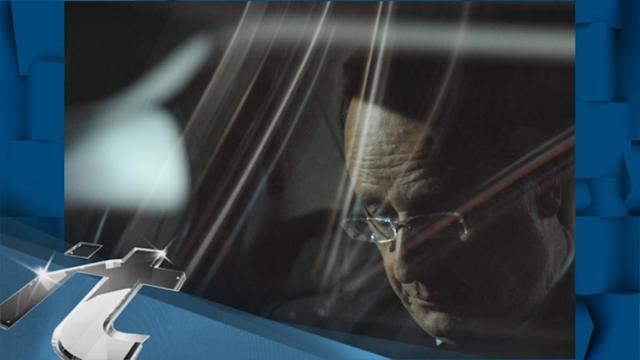 European Union Latest News: Shareholders, Execs Must Map Out Peugeot's Future: Hollande