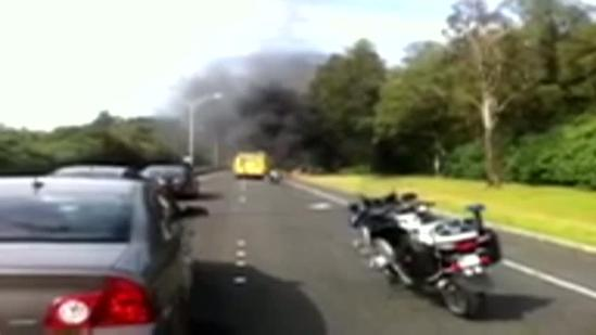 Vehicle fire closes Pali Highway