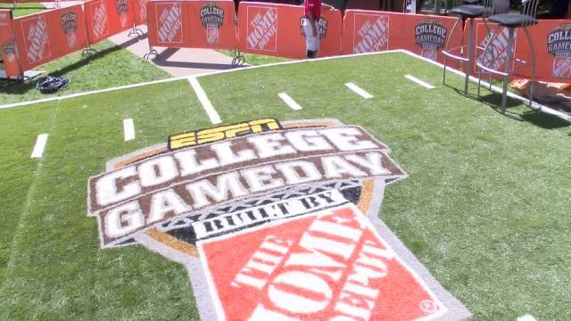 ESPN College Gameday highlights Notre Dame and Michigan Under the Lights
