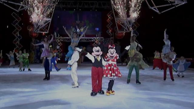 'Disney on Ice' Cast Performs 'Be Our Guest'