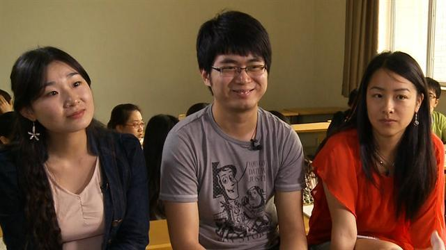 Chinese students react to meeting of presidents