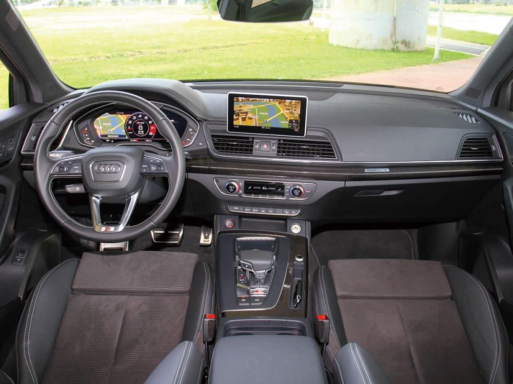 全新SQ5不僅擁有傲視同級車款最舒適寬敞的車室空間,更搭載最新的高科技配備,滿足新世代消費群族智慧生活環境。