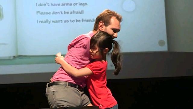 Limbless speaker Nick Vujicic inspires 5,000 in Singapore